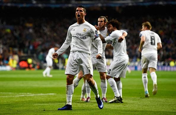 Ronaldo lap hat-trick anh 1