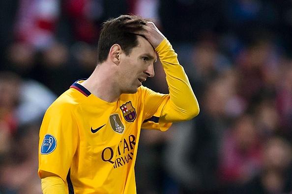 Barca guc nga truoc loi nguyen Champions League hinh anh