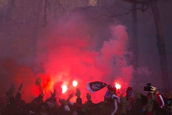 Atletico 2-0 Barcelona: Barca chinh thuc thanh cuu vuong hinh anh 5