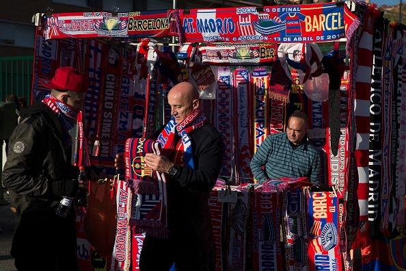 Atletico 2-0 Barcelona: Barca chinh thuc thanh cuu vuong hinh anh 6
