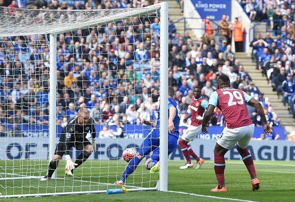 Vardy ghi ban va bi the do, Leicester hoa kich tinh West Ham hinh anh 10