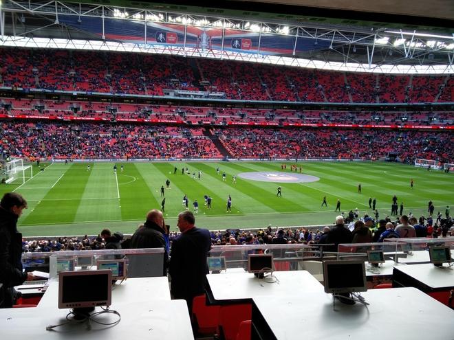 Everton vs MU: Martial, De Gea toa sang hinh anh 8