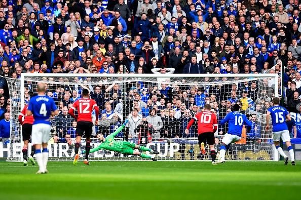 Everton vs MU: Martial, De Gea toa sang hinh anh 14