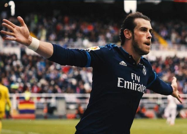 Sociedad vs Real (0-1): Bale sam vai nguoi hung hinh anh
