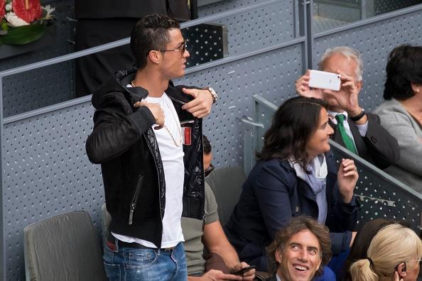 Ronaldo du khan tran dau giua Nadal va tay vot dong huong hinh anh 2