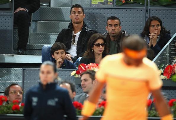 Ronaldo du khan tran dau giua Nadal va tay vot dong huong hinh anh 5