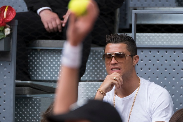 Ronaldo du khan tran dau giua Nadal va tay vot dong huong hinh anh 7