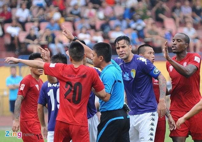 Thung luoi phut bu gio, Hai Phong thua tran dau tai V.League hinh anh 9