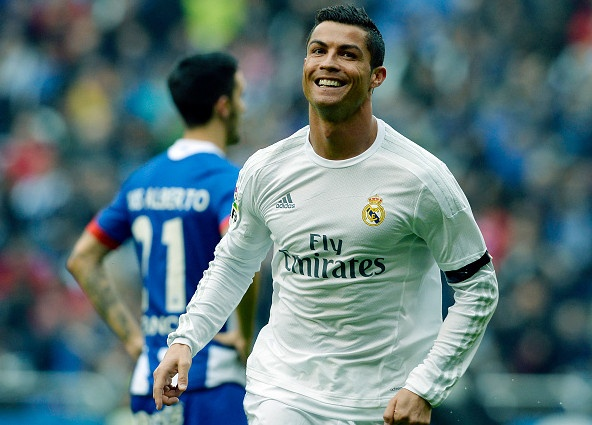 Deportivo vs Real (0-2): Cu dup kem vui cua Ronaldo hinh anh 16