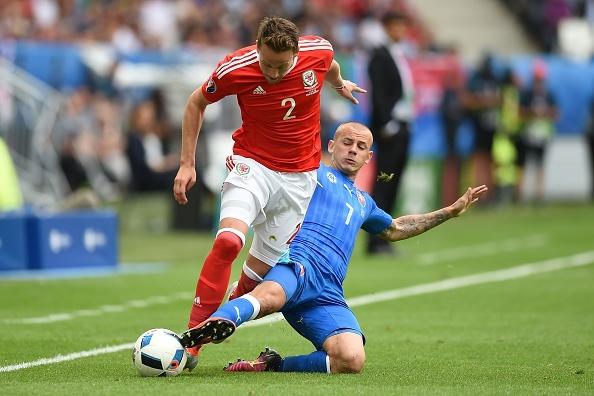 Wales vs Slovakia (2-1): Bale ghi ban thang lich su hinh anh 17