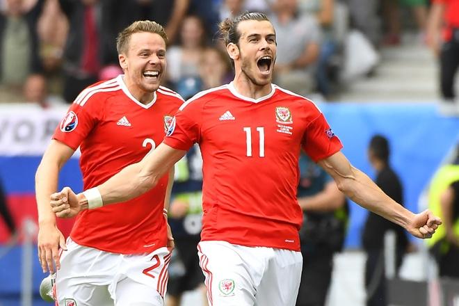 Wales vs Slovakia (2-1): Bale ghi ban thang lich su hinh anh 18