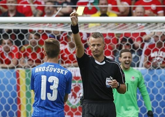 Wales vs Slovakia (2-1): Bale ghi ban thang lich su hinh anh 20