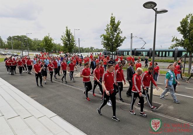 Wales vs Slovakia (2-1): Bale ghi ban thang lich su hinh anh 6