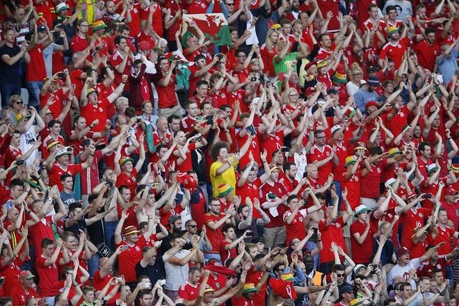 Wales vs Slovakia (2-1): Bale ghi ban thang lich su hinh anh 27