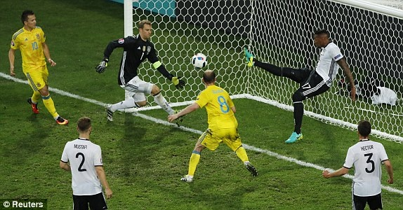 Duc vs Ukraine (2-0): Chien thang kem thuyet phuc hinh anh 23