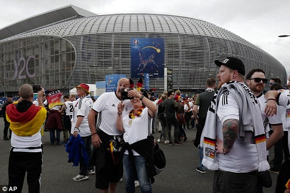 Duc vs Ukraine (2-0): Chien thang kem thuyet phuc hinh anh 8