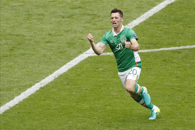 Thuy Dien vs CH Ireland: Ibra khien doi thu dot luoi nha hinh anh 25