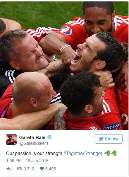 Thang Wales 2-1 phut bu gio, Anh doc chiem ngoi dau hinh anh 3
