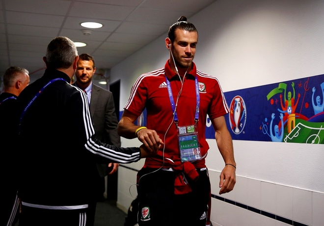 Thang Wales 2-1 phut bu gio, Anh doc chiem ngoi dau hinh anh 14