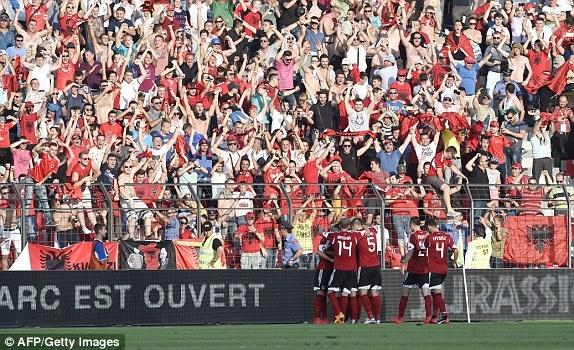 Phap vs Albania (2-0): Tiec ban thang muon hinh anh 10