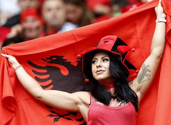 Phap vs Albania (2-0): Tiec ban thang muon hinh anh 9