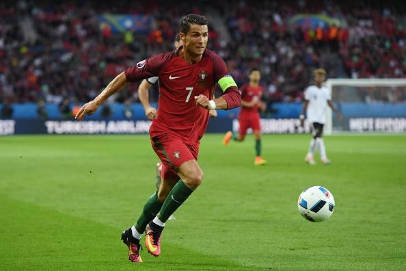 Bo Dao Nha vs Ao (0-0): Ronaldo da hong phat den hinh anh 23
