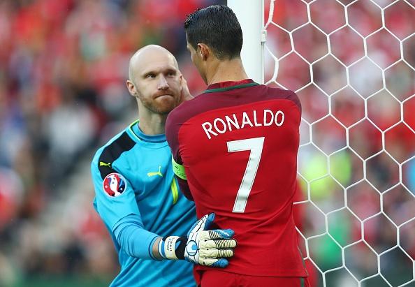 Bo Dao Nha vs Ao (0-0): Ronaldo da hong phat den hinh anh 24