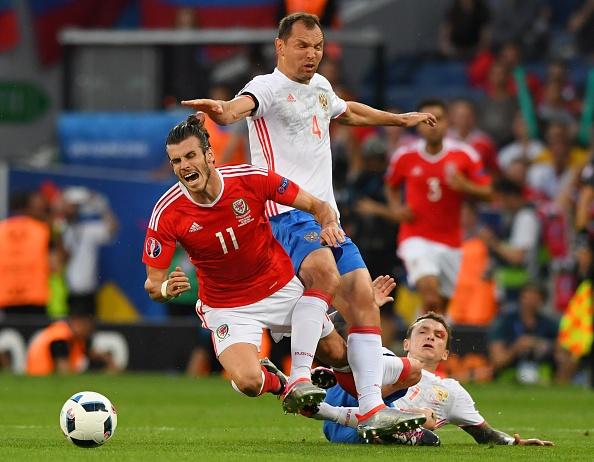 Bale toa sang, Xu Wales vuot Anh len dau bang hinh anh 19
