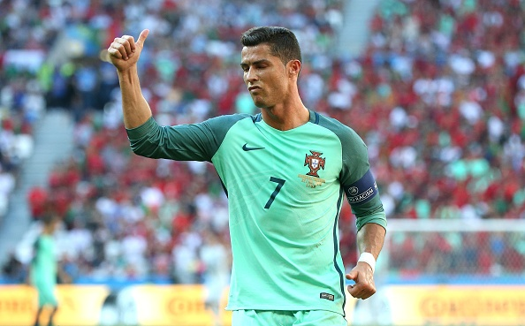 Ronaldo cung Bo Dao Nha vao tu ket nho ban thang vang hinh anh 3