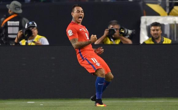 Messi sut hong luan luu, Argentina lai om han truoc Chile hinh anh 20