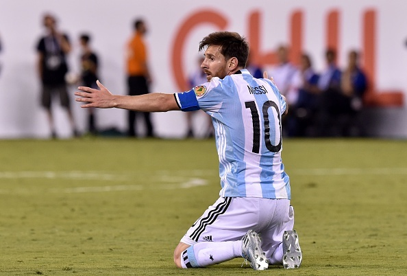 Messi sut hong luan luu, Argentina lai om han truoc Chile hinh anh 23