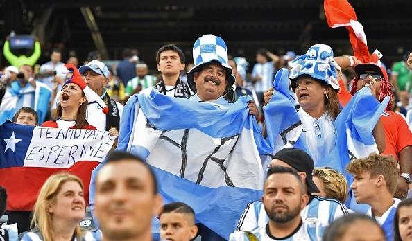 Messi sut hong luan luu, Argentina lai om han truoc Chile hinh anh 11
