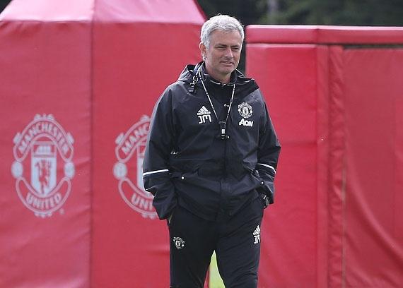 'Mourinho phai dung phep thuat, MU moi co the vo dich' hinh anh 1