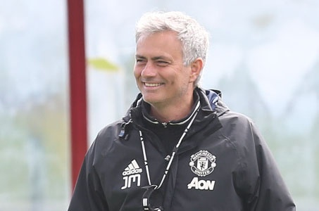 'Mourinho phai dung phep thuat, MU moi co the vo dich' hinh anh