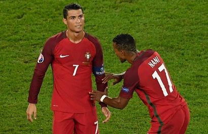 Ronaldo la ly do Nani quyet gia nhap Valencia hinh anh