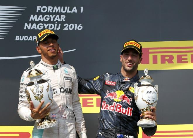 Vo dich Hungarian GP, Hamilton vuot Rosberg tren BXH tong hinh anh 3