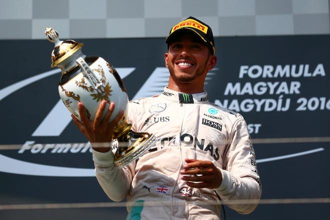 Vo dich Hungarian GP, Hamilton vuot Rosberg tren BXH tong hinh anh 1