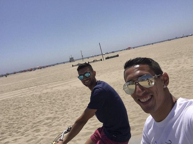 Ronaldo cham mat 'nguoi van chuyen' hinh anh 13