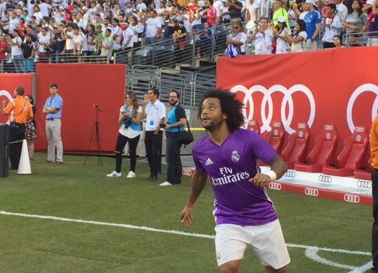 Bayern vs Real (0-1): Danilo na dai bac chay luoi Hum xam hinh anh 9