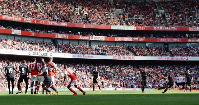 Arsenal vs Liverpool (3-4): Ruot duoi hap dan hinh anh 18