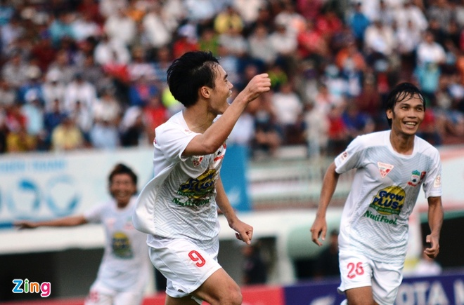 Van Toan lap cu dup giup HAGL thang 3-1, Hai Phong thua 0-3 hinh anh 12
