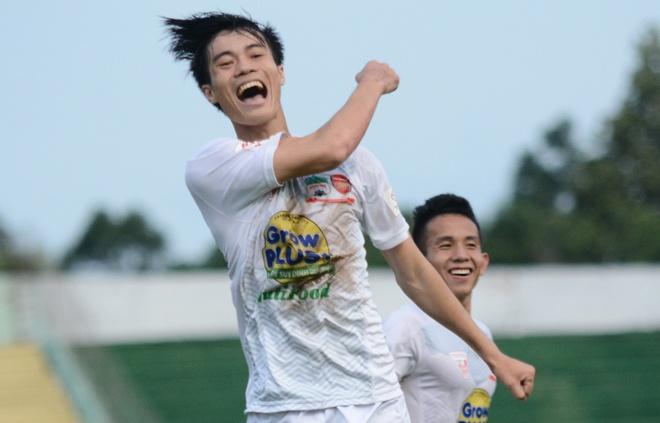 Van Toan lap cu dup giup HAGL thang 3-1, Hai Phong thua 0-3 hinh anh