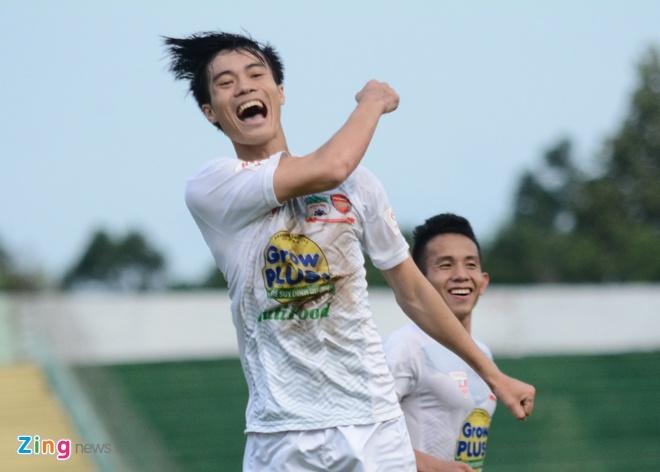 Van Toan lap cu dup giup HAGL thang 3-1, Hai Phong thua 0-3 hinh anh 8