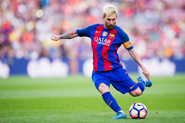 Top 10 ban thang dep cua Messi tu ngoai vong cam hinh anh