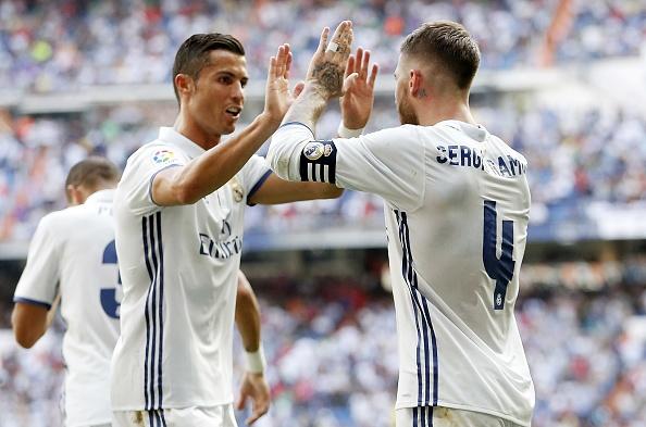 Ronaldo khai nong ngay tro lai, Real thang dam 5-2 hinh anh 15