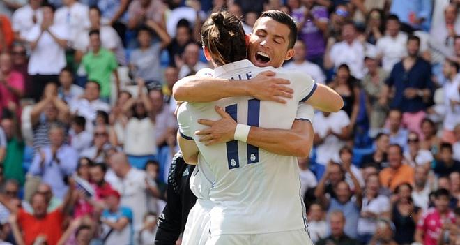 Ronaldo khai nong ngay tro lai, Real thang dam 5-2 hinh anh