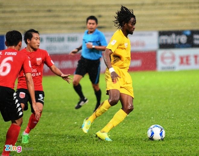 Quang Ninh vs Ha Noi T&T anh 11