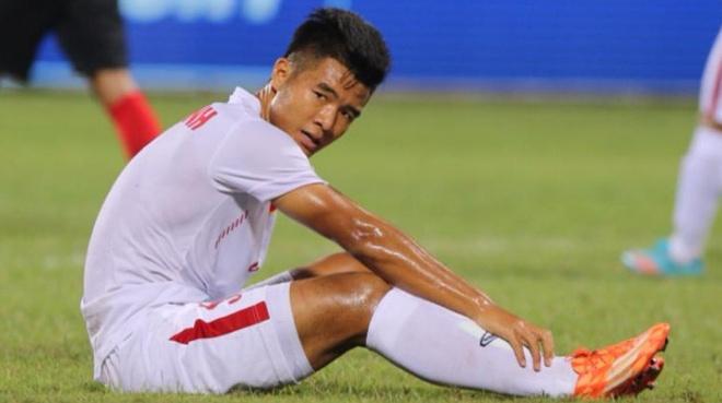 Bo lo hang ta co hoi, U19 Viet Nam de Singapore cam hoa hinh anh