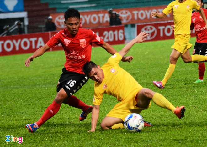 Quang Ninh vs Ha Noi T&T anh 9