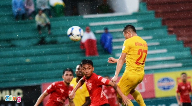 Quang Ninh vs Ha Noi T&T anh 7